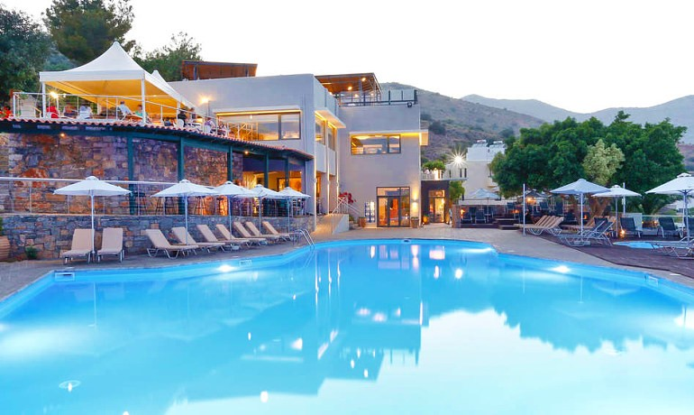 SENTIDO Elounda Blu pool area