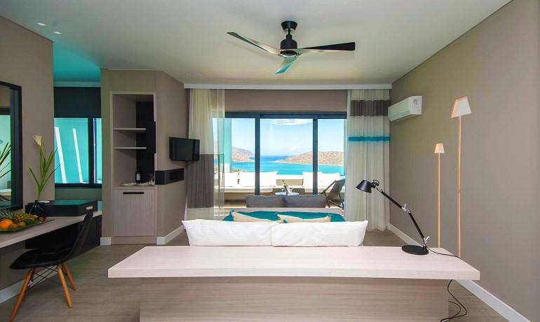 SENTIDO Elounda Blu Premium suite with private pool