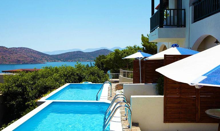 SENTIDO Elounda Blu private pools