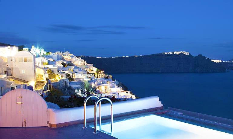 Santorini Secret Suites & Spa general hotel view at night
