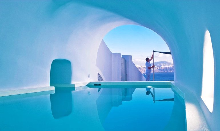 Andronis Luxury Suites cave pool