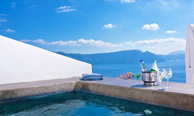Andronis Luxury Suites deluxe suite with outdoor jacuzzi