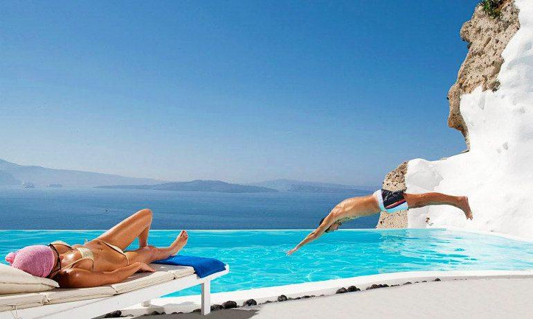 Andronis Luxury Suites pool