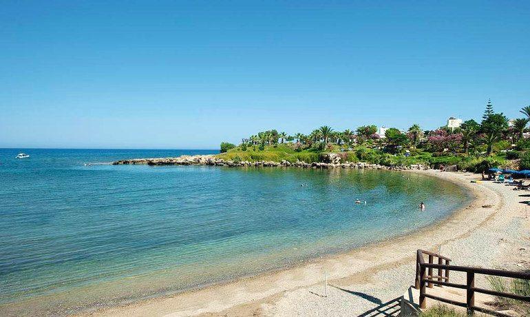 Atlantica Sea Breeze hotel beach
