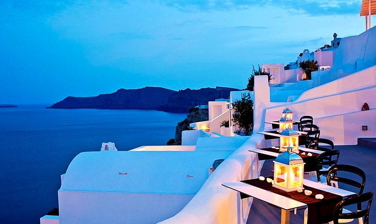 Canaves Oia Hotel Infinity pool bar restaurant terrace