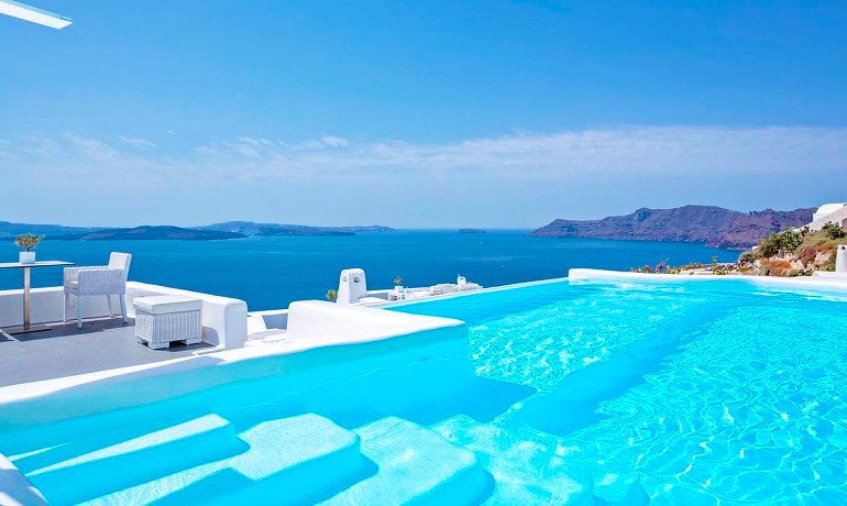 Canaves Oia Hotel general pool view