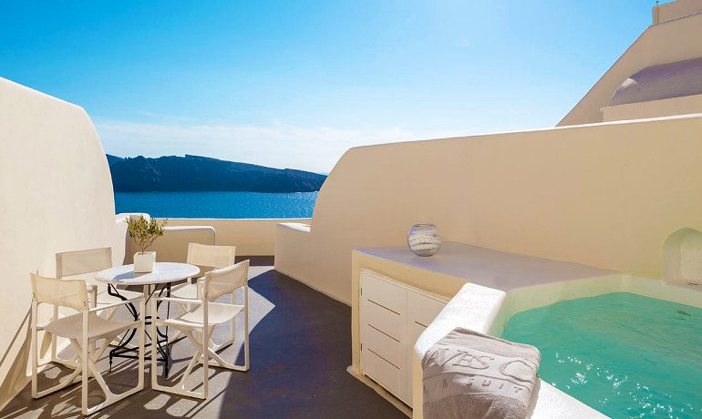 Canaves Oia Suites grande terrace