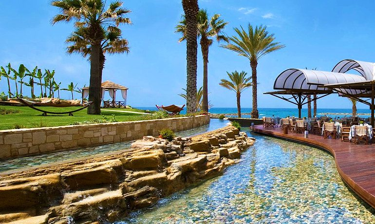 Constantinou Bros Pioneer Beach Hotel outdoor restaurant