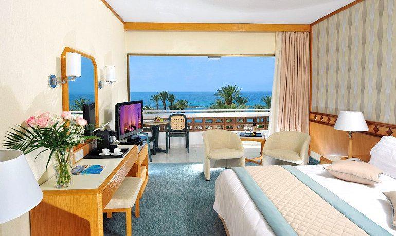 Constantinou Bros Pioneer Beach Hotel room