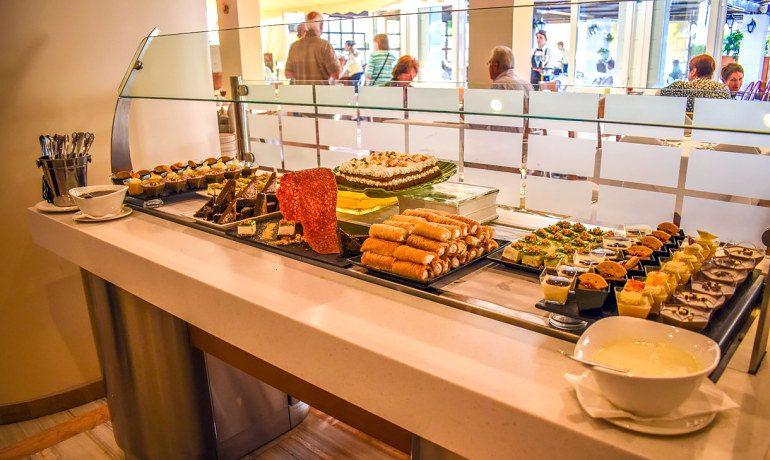 Creta Royal hotel desserts