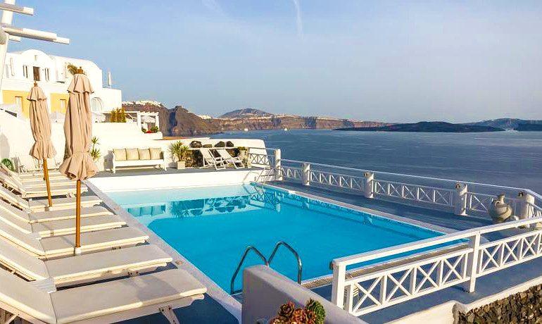 La Perla Villas & Suites main pool