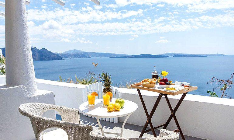 La Perla Villas & Suites superior villa balcony