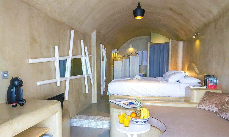 La Perla Villas & Suites superior villa bedroom