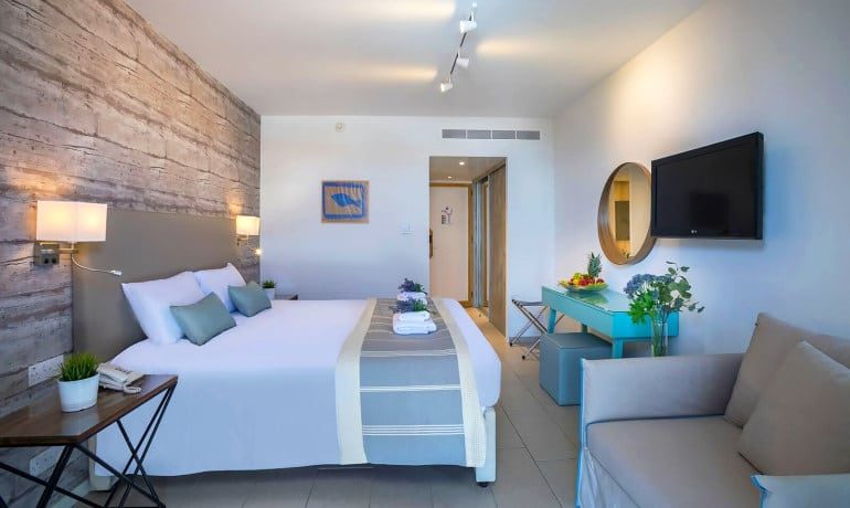 Leonardo Plaza Cypria Maris Beach Hotel & Spa standart room