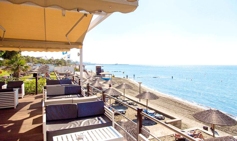 Atlantica Bay Hotel beach bar