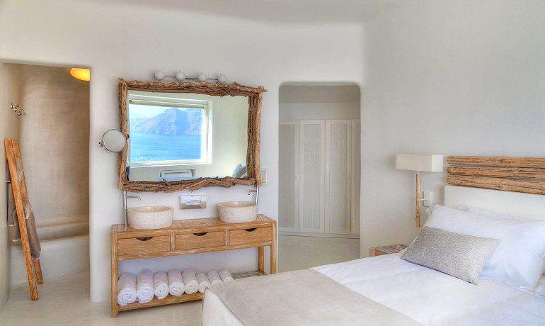 Mystique hotel Santorini Mistery villa