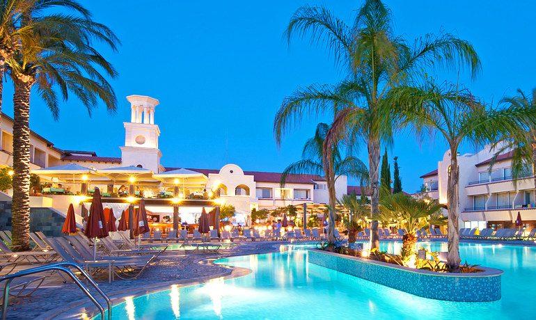 Napa Plaza Hotel pool