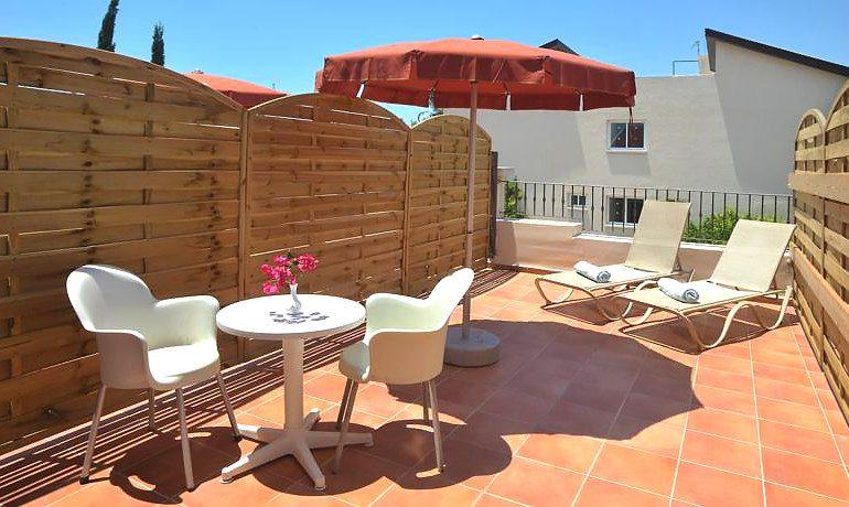 Napa Plaza Hotel room terrace