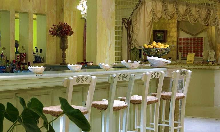 Orpheas Resort Hotel bar