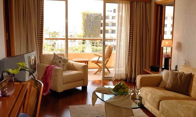 Sentido Thalassa Coral Bay living room