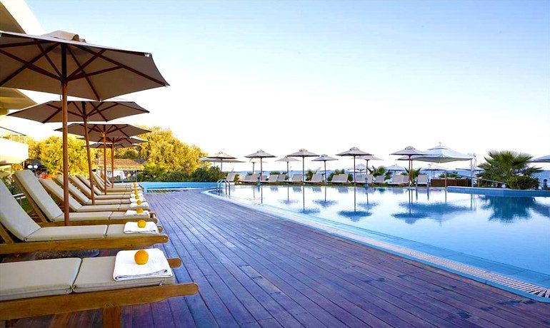Thalassa Beach Resort & Spa hotel pool