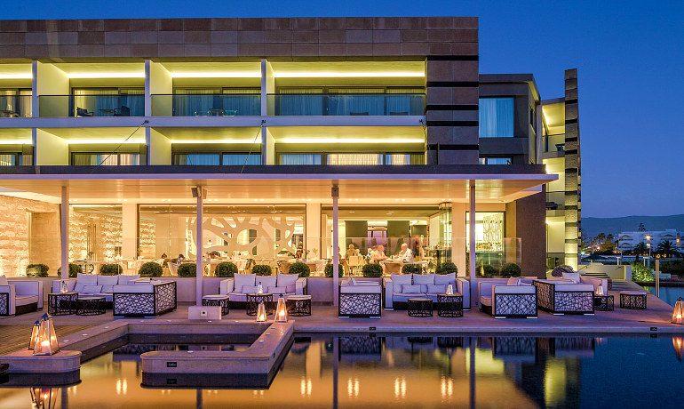 Aqua Blu Boutique Hotel & SPA outdoor lounge