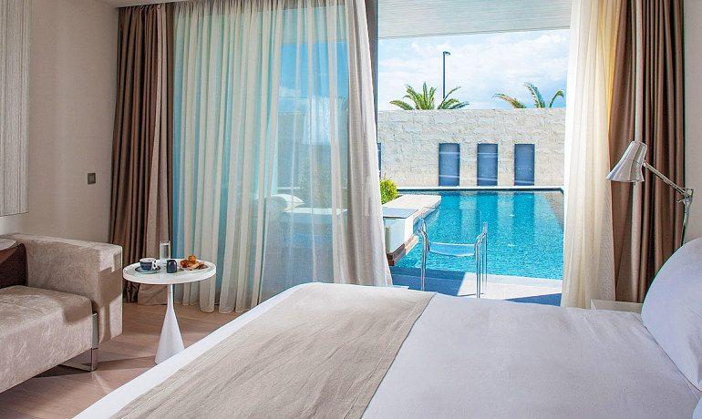 Aqua Blu Boutique Hotel & SPA pool signature suite bedroom