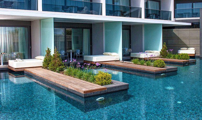 Aqua Blu Boutique Hotel & SPA pool signature suites