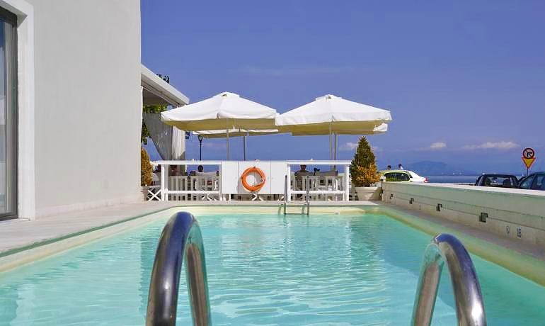 Mayor Mon Repos Palace pool