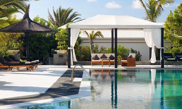 Meliá Salinas garden villas pool