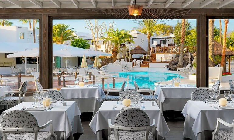 SENTIDO H10 White Suites Bamboo restaurant terrace