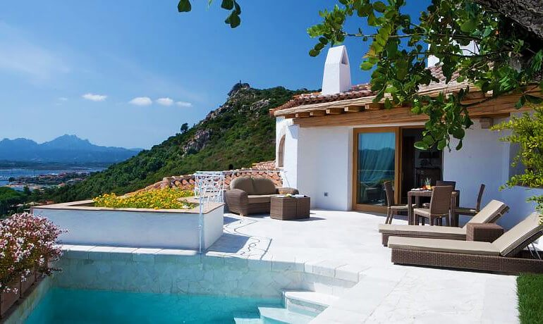 Hotel Relais Villa del Golfo Spa luxury suite with pool