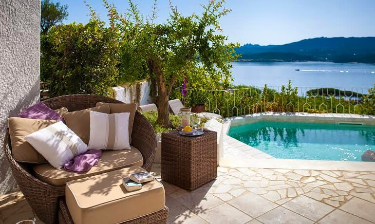 Hotel Relais Villa del Golfo Spa luxury suite with private pool