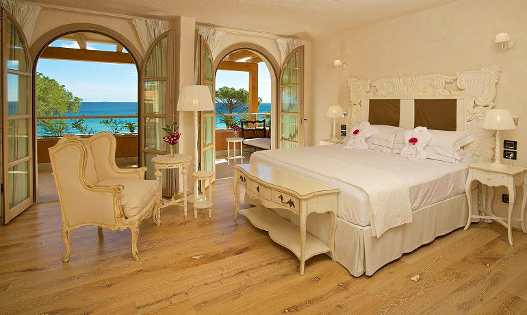 La Villa del Re hotel junior suite with sea view
