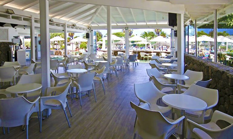 Marconfort Atlantic Gardens Bungalows restaurant terrace