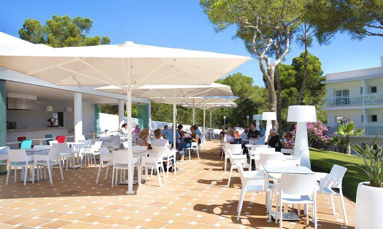 Sensimar Ibiza Beach Resort outdoor bar