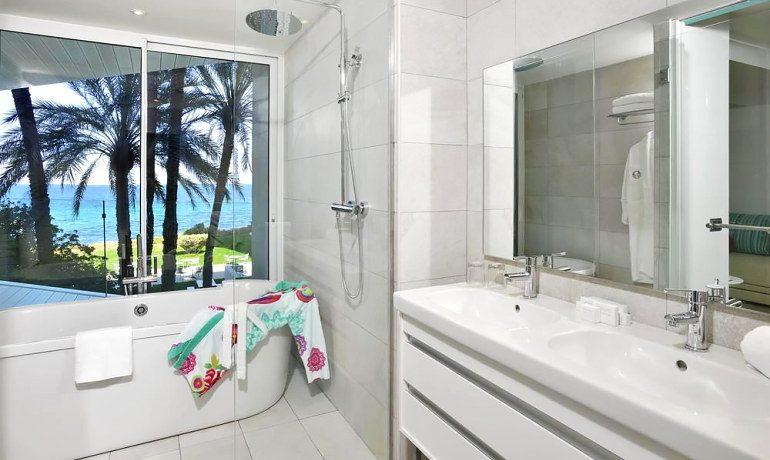 Sol Beach House Ibiza bathroom