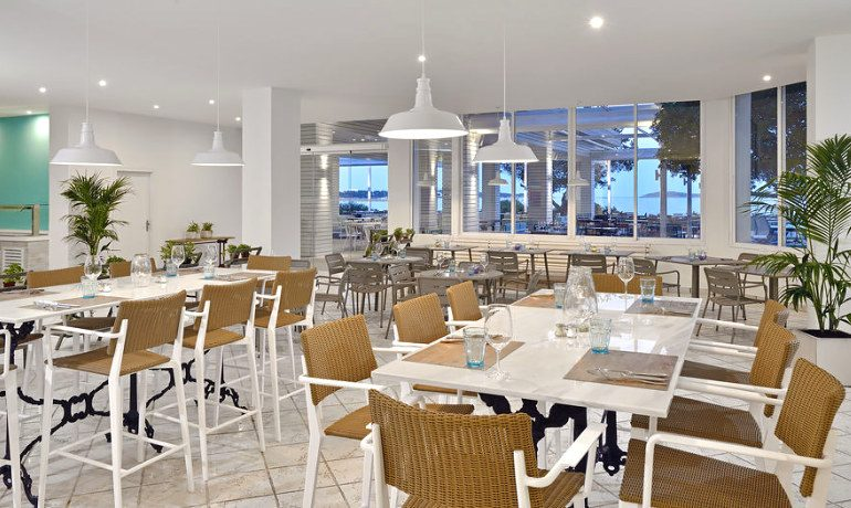 Sol Beach House Ibiza buffet restaurant