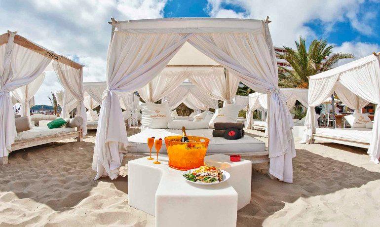 Ushuaia Ibiza Beach Hotel beachclub bali beds