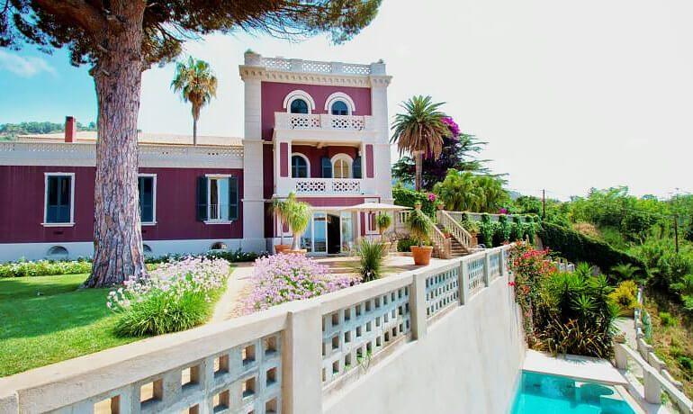 Villa Paola general view