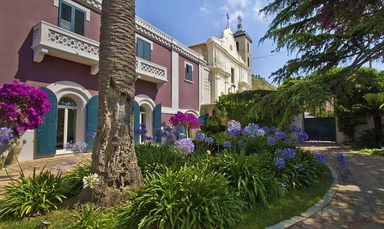 Villa Paola general view garden