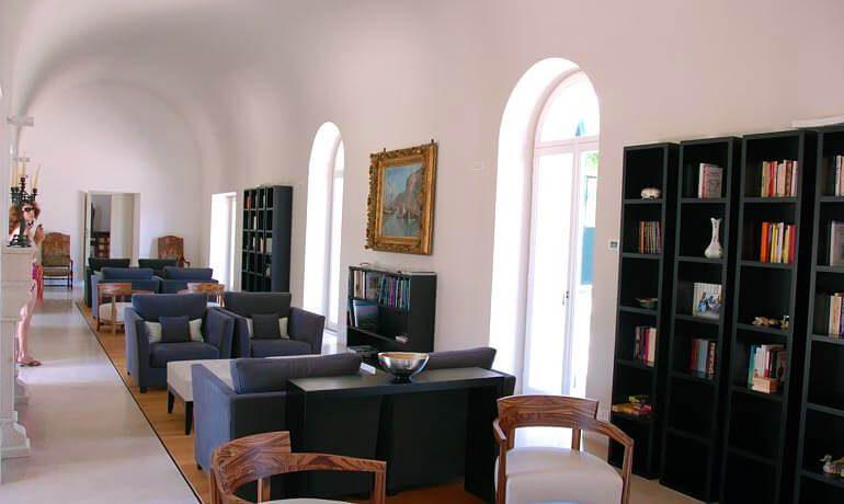Villa Paola lobby area