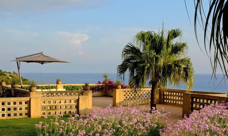 Villa Paola terrace with sea view