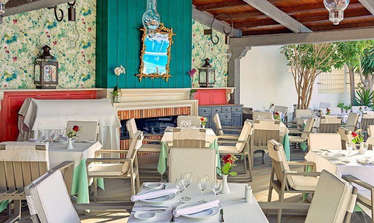 Colon Guanahani restaurant La Pergola