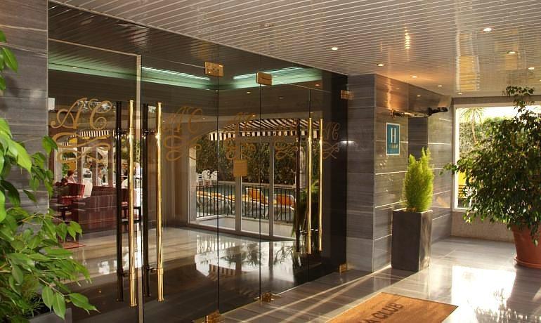 Augusta Club hotel entrance