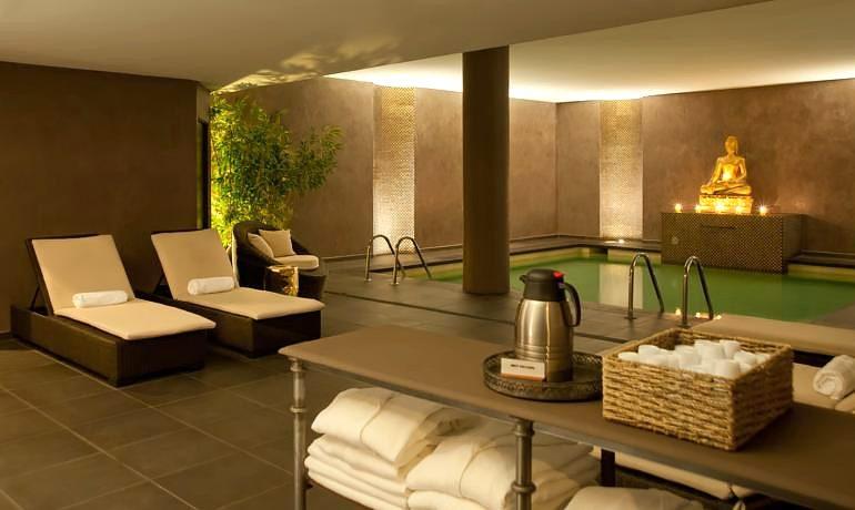 Augusta Club hotel Spa center area