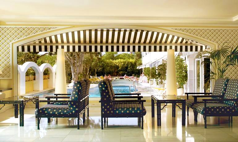 Augusta Club hotel terrace