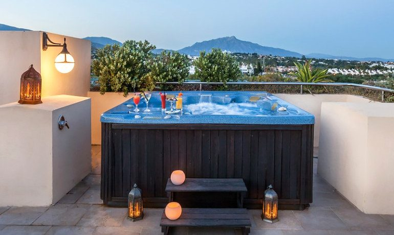 Occidental Estepona Thalasso & Spa deluxe room apartments jacuzzi