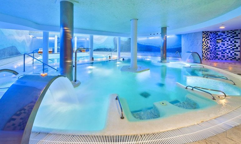 Occidental Estepona Thalasso & Spa indoor pool