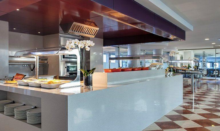 Barceló Hamilton Menorca restaurant buffet